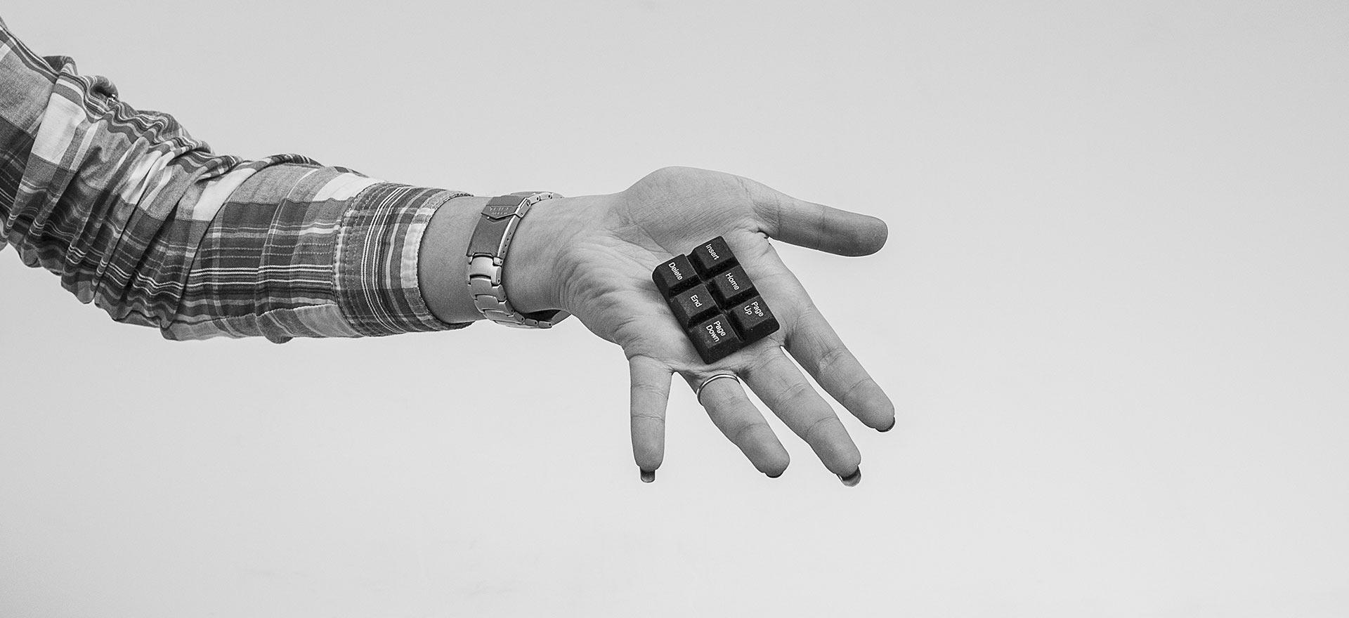 header digital tastiera